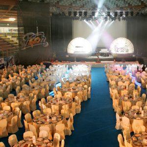 anniversari-aziendali_testata-cerchio_cena-di-gala-e-spettacolo-pooh_zani-catering